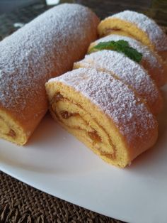 Bulgarian Food, Bulgarian Recipes, Baked Oatmeal Cups, Cornbread, Kids Meals, Recipies, Deserts, Rolls, Food And Drink