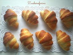 Fast brioche - nice and possible- Brioche velocissime – belle e possibili Fast brioche – beautiful and possible Croissants, Sweet Cooking, Dessert Recipes, Desserts, Cake Art, Cake Cookies, Finger Foods, Bakery, Food And Drink