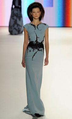 Mercedes-Benz Fashion Week : CAROLINA HERRERA