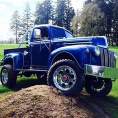 1947 Ford F100. Are you restoring an old truck? You can find NOS parts at http://www.rearcounter.com/