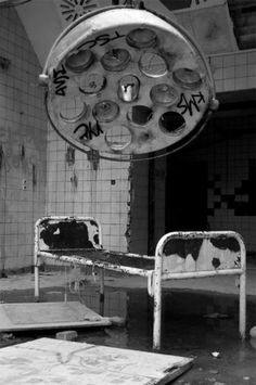 Abandoned hospital bed in Chernobyl, Ukraine, after nuclear disaster in The 40 Most Breathtaking Abandoned Places In The World. This Gave Me Chills! Spooky Places, Haunted Places, Abandoned Asylums, Abandoned Places, Old Buildings, Abandoned Buildings, Places Around The World, Around The Worlds, Abandoned Hospital