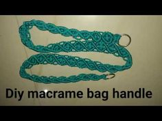 Diy how to make macrame bag long handle # design 5 Macrame Owl, Macrame Knots, Crochet Handles, Tatting Jewelry, Macrame Projects, Diy Projects, Macrame Patterns, Crochet Patterns, Macrame Tutorial
