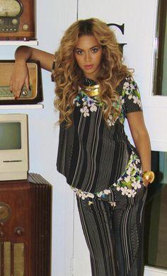 beyonce style tumblr | Beyoncé : Que pensez-vous du look rayé-fleuri de Beyoncé ...