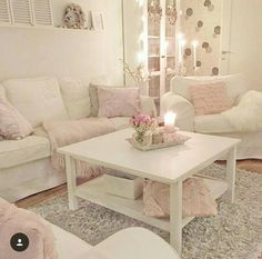 Pink and white living room #shabby