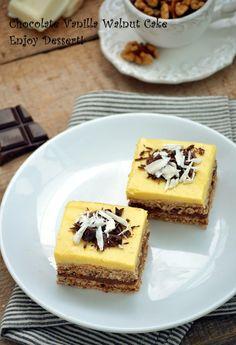 Imi place sa prajituresc si de cele mai multe ori ma folosesc de ce am prin… Delicious Deserts, Romanian Food, Food Cakes, Sweet Cakes, Food To Make, Cake Recipes, Caramel, Cheesecake, Food And Drink