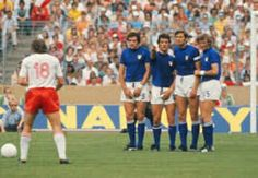 Poland 2 Italy 1 in 1974 in Stuttgart. Robert Gadocha gets ready to take a free kick in Group 4 #WorldCupFinals