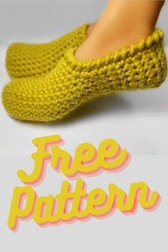 Diy Crochet Slippers, Knit Slippers Free Pattern, Crochet Slipper Pattern, Easy Crochet, Free Crochet, Knit Crochet, Beginner Crochet, Chunky Crochet, Crochet Home