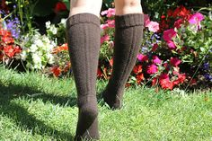 {Tricot} Little cable knee highs