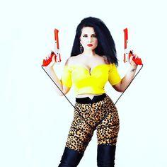 I move my life Wonder Woman, Superhero, Yellow, Twitter, People, Photos, Life, Fictional Characters, Women