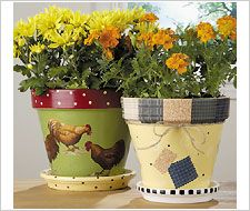 Rooster Flower Pots created with Mod Podge. #crafts #modpodge #plaidcrafts