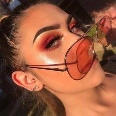 makeup & beauty - March 26 2019 at - Beautiful Make-up and Cosmetics Inspiration - Fashion Trends and Brand Names - Clothing and Wardrobe Choices - Bargain and Luxury Shopping Guide For Trendsetters and Shopaholics - Latest International Styles Makeup On Fleek, Cute Makeup, Glam Makeup, Pretty Makeup, Skin Makeup, Makeup Inspo, Gorgeous Makeup, Grunge Eye Makeup, Makeup Box