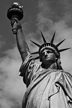 New York - Statue of LibertyYou can find Statue of liberty and more on our website.New York - Statue of Liberty Statue Of Liberty Drawing, Statue Of Liberty Tattoo, Statue Tattoo, Liberty Statue, Black And White Picture Wall, Black And White Pictures, Chicano, New York Statue, Patriotic Tattoos