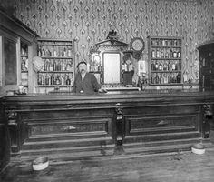 Andren Sylvester's saloon, Georgetown between 1892 and 1900