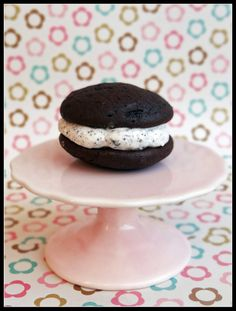 oreo cakesters... I've made these and the fillings is identical to oreo filling .... they're absolutly addicting ! making them for my associates soon ;)