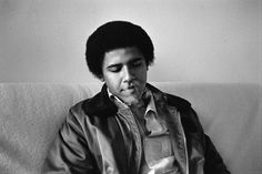 Barack Obama awesome rare photo shoot when he was young. Take a look at these awesome pictures of Barack Obama in his younger days. Barack Obama, Young Obama, Occidental College, Vito, Barack And Michelle, Andrew Lincoln, Ex Girlfriends, Jorge Luis Borges, Portraits