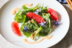 Raw Baby Spinach Salad with Peanut Dressing is gluten free, vegan - Recipe