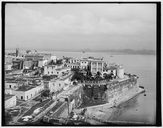 • Governor's Palace and sea wall, San Juan, P.R. • Detroit Publishing Co. , publisher • Date Created/Published: c1903.