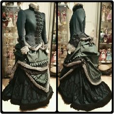 Victorian winter costume with bustle, reproduction by Angela Mombers Victorian Gown, Victorian Costume, Victorian Steampunk, 1880s Fashion, Edwardian Fashion, Vintage Fashion, Historical Costume, Historical Clothing, Steampunk Clothing
