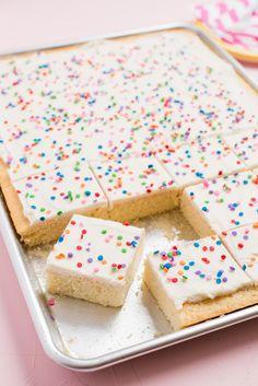 Sheet Cake Recipes, Easy Cake Recipes, Easy Desserts, Recipe Sheet, Cake Recipes For Kids, Easy Birthday Cake Recipes, Sponge Cake Recipes, Frosting Recipes, Health Desserts