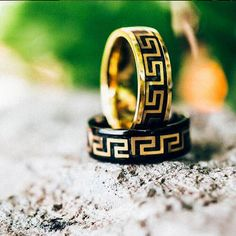 I need to have these trendy rings by MISTER in my everyday wardrobe! Wedding Dresses Men Indian, Geek Jewelry, Men's Jewelry, Love Ring, Black Rings, Gay Pride, Types Of Shoes, Wedding Bands, Jewelery