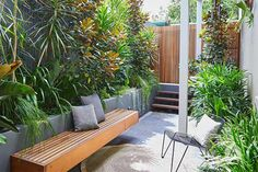 The first thing I did when I bought a house This tiny inner city front garden was designed by Adam Robinson Design to feel like a welcoming oasis. Small Courtyard Gardens, Front Courtyard, Small Courtyards, Front Gardens, Backyard Garden Design, Backyard Patio, Backyard Landscaping, Small Backyard Design, Small Backyard Pools