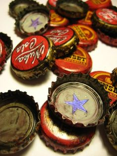 the star bottle cap will totally be one of my 'filler' tattoos :) . Fallout Caps Photographed by Katrina Fallout 3, Fallout Bottle Caps, Fallout Posters, Fallout New Vegas, Vault Dweller, Idda Van Munster, Lone Wanderer, Post Apocalypse, Geek Chic