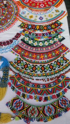Hand Embroidery Designs, Beaded Embroidery, Loom Patterns, Beading Patterns, Beaded Jewelry Designs, Beaded Collar, Beads And Wire, Loom Beading, Bead Art