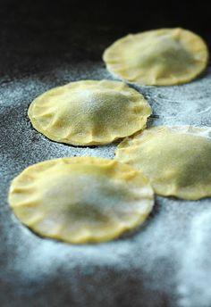 Hausgemachte runde Ravioli. #Ravioli #Pasta