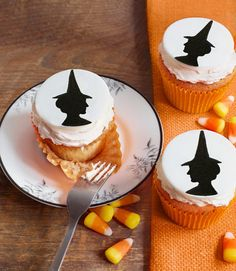 professional Halloween Cupcakes | Spooky Halloween cupcake Ideas_24