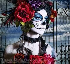 Learn The Art of Applying Sugar Skull Face Paint And Celebrate Dia de los Muertos In Style Sugar Skull Face Paint, Sugar Skull Makeup, Sugar Skull Art, Sugar Skulls, Candy Skulls, Maquillaje Sugar Skull, Mexican Holiday, Dead Makeup, Face Makeup