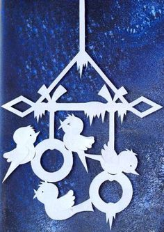 Подвеска Снегири Hobbies And Crafts, Diy And Crafts, Paper Crafts, Paper Cutting, Christmas Crafts, Christmas Decorations, Glass Painting Designs, Scroll Saw Patterns, Origami Art