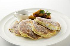 サラベス1周年記念の「アップルスフレパンケーキ」はマシュマロのような食感 新宿店限定で登場