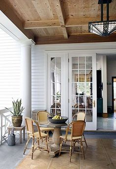 Beautiful ceiling (and lighting) for a porch!
