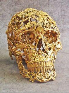 Skulls:  Gold filigree #skull.