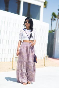 Coachella_Outfit_ideas_Tbag_Maxi_skirt_Lace_Crop_Top_CynthiaVincent_Tribal_bag_Coachella_StreetStyle2014-3.jpg 662×993 pixels