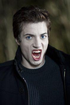 Lua Vermelha (TV Series 2010– ) - IMDb