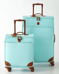 Bric's Esmeralda Luggage Collection - and other luggage sets - I love my luggage to stand out against the sea of black that everyone uses. Makes it easy to find my luggage! Cute Luggage, Best Carry On Luggage, Luggage Sets, Travel Luggage, Travel Bags, Kids Luggage, Azul Tiffany, Tiffany And Co, Tiffany Blue