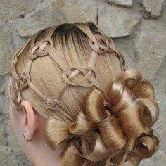 insane hair braid...looks impossible!