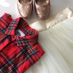 🎉HP🎉 Red Stewart tartan shirt Classic red Stewart tartan flannel shirt. Perfect with a tulle skirt and pearls. Worn once Old Navy Tops Button Down Shirts
