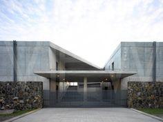 PRINGIERS HOUSE TADAO ANDO ARCHITECTS MIRISSA SRI LANKA 2011 ENTRANCE  #ando #architecture #tadao Pinned by www.modlar.com
