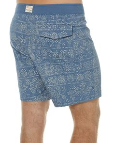 """Features: Style: Mens Boardshorts Colour: Real Teal Material: 98% Cotton, 2% Spandex Fit Type: Fixed Waist Pigment printed with contrast waistband Back pocket with button closure Stretch gusset fly Enzyme wash 17"""" OutseamSize + Fit Guide: Model's Height: 185cm Model's Chest: 105cm Model's Waist: 89cm Model wears a Size:M/32"""