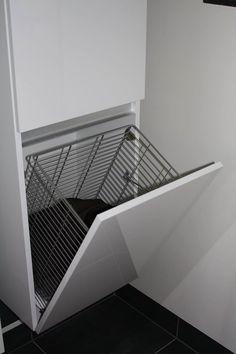 Mooie oplossing voor het netjes wegwerken van de wasmand. - badkamer ...