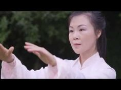 Tai Chi 24 form by Helen Liang 2015 (YMAA Taijiquan) - Like some weird edgy art video version :) Qi Gong, Tai Chi Moves, Wing Chun Martial Arts, Learn Tai Chi, Tai Chi Exercise, Tai Chi For Beginners, Tai Chi Video, Tai Chi Qigong, Chi Energy