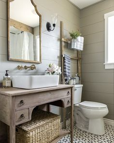 Sharing the before + after of this bathroom and many more today on the blog — head to Beckiowens.com for all the details. Love love @jennasuedesign
