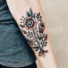 Tattoos and body art: turquoise whiskey dreams : Photo Future Tattoos, Love Tattoos, Beautiful Tattoos, Small Tattoos, Tattoos For Women, Tatoos, Sweet Tattoos, Traditional Poppy Tattoo, Traditional Tattoo Forearm