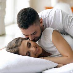 15 semne ca NU te place suficient! - Revista FUCSIA Ten, Couple Photos, Couples, Back Pain, Waiting, Crunches, Relationships, Pregnancy, Health
