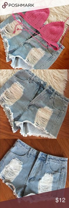 """RSQ Maui High Rise Jean Shorts Make an offer on gently worn fun jean cutoff shorts from RSQ. Bundle with bikini 👙 top (in my closet) for summer styling at the beach 🌊. Size 5, approx measurements: ▪️waist (front) 14"""" ▪️length - waist to fringe 12""""  ✨Happy to consider your offer✨Pet free Smoke free 🏡 RSQ Jeans"""