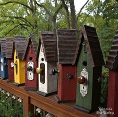 Birdhouses – Birdhouse – bird house – rustic birdhouse – Rebecca's Bird Garden… Birdhouses – Birdhouse – bird house – rustic birdhouse – Rebecca's Bird Gardens – Still time to send someone special a unique – handcrafted gift! Bird Houses Painted, Bird Houses Diy, Fairy Houses, Bird House Plans, Bird House Kits, Homemade Bird Houses, Deco Champetre, Bird House Feeder, Bird Feeders