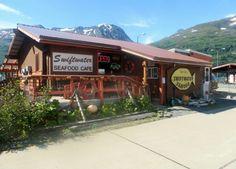 11 Incredible Seasonal Waterfront Restaurants Everyone In Alaska Must Visit