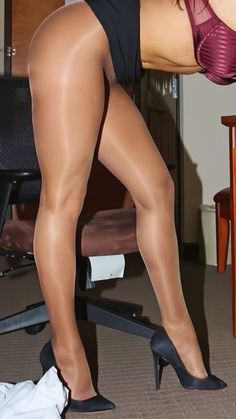PANTYHOSE PRINCESS - JUST LEGS JUST PANTYHOSE. If you like, watch all pics of…
